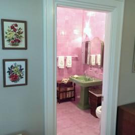 Room 3's in-room washroom